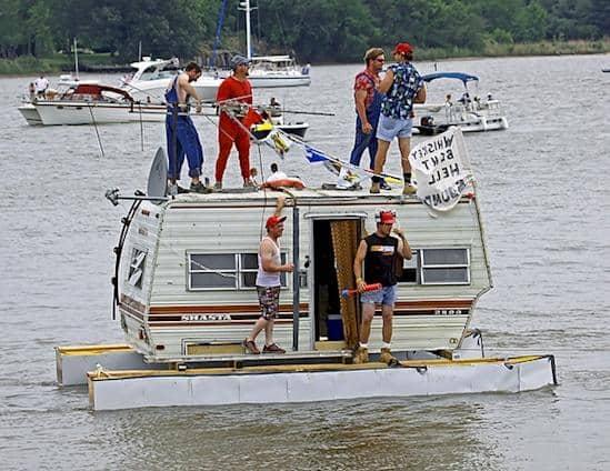Redneck_Houseboat_grande