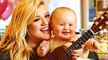 Kelly Clarkson's Daughter, River Rose, Goes On ADORABLE Father-Daughter Date