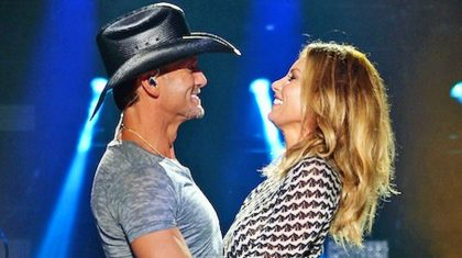 Tim McGraw Shows Off Faith Hill's Smokin' Hot Body In New Snapshot