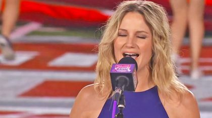 Jennifer Nettles' Magnificent Performance Of The National Anthem Will Move You To Tears