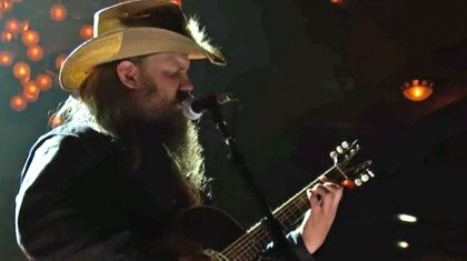 Crowd Soars To Its Feet Following Chris Stapleton's Riveting Performance