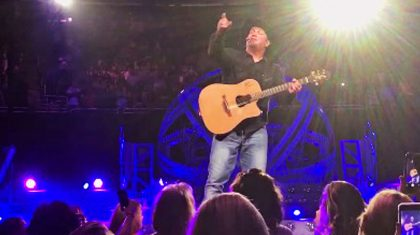 Garth Brooks Spots Pregnant Fan In The Crowd, And What He Says To Her Will Warm Your Heart