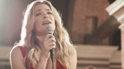 """LeAnn Rimes Debuts Chilling Music Video For New Song """"How To Kiss A Boy"""""""