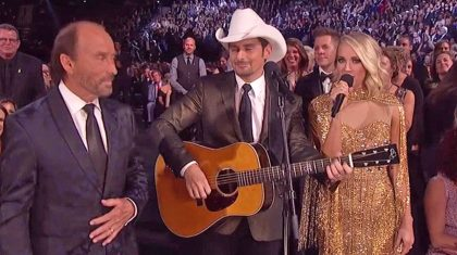 Entire CMA Audience Rises To Their Feet Singing 'God Bless The USA'