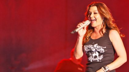 Gretchen Wilson Makes Comeback Of The Year With 'Rowdy' New Single