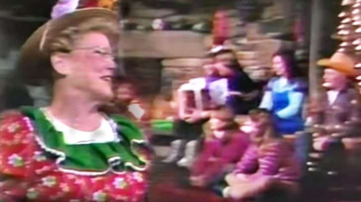 Minnie Pearl Joins Country Legends For Christmas Medley That'll Deliver Endless Cheer | Country Music Nation