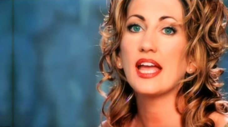 """Lee Ann Womack Brings The World To Its Knees With Unforgettable """"I Hope You Dance"""" 