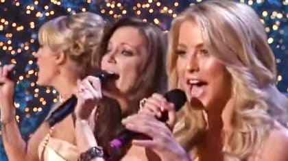"""Carrie, Martina, & Julianne Sweetly Sing A Christmas Classic In 'Rockin"""" Performance"""