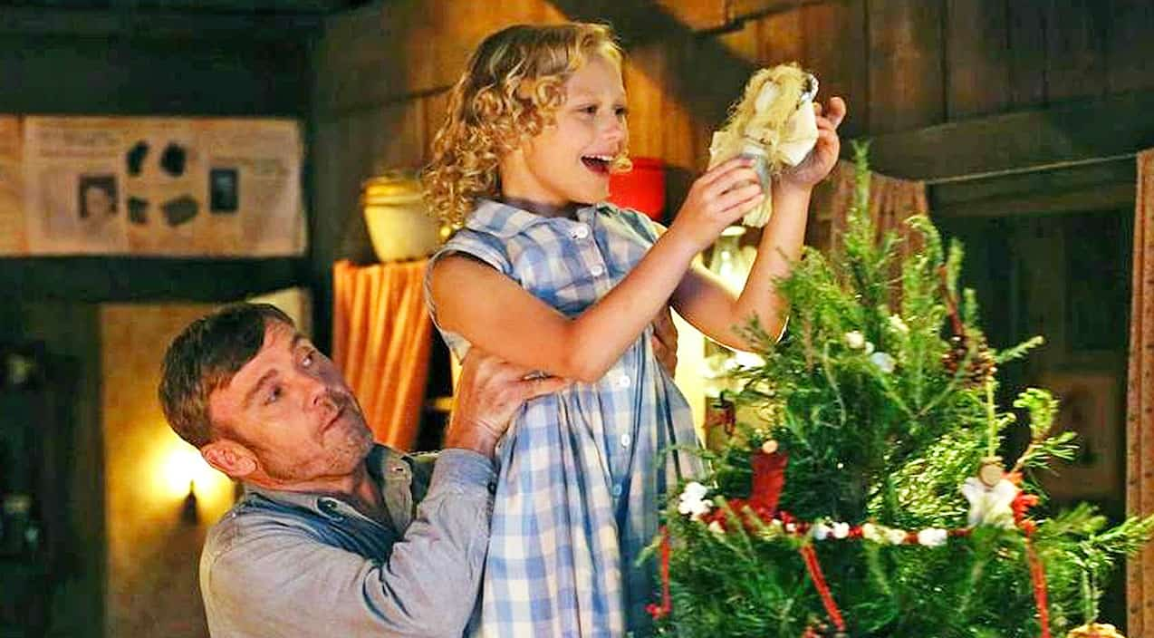 Nbc Christmas Of Many Colors.Dolly Parton S Christmas Of Many Colors Captures The True