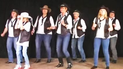 This 'Rockin' Christmas' Line Dance Will Make You The Star Of Your Holiday Party