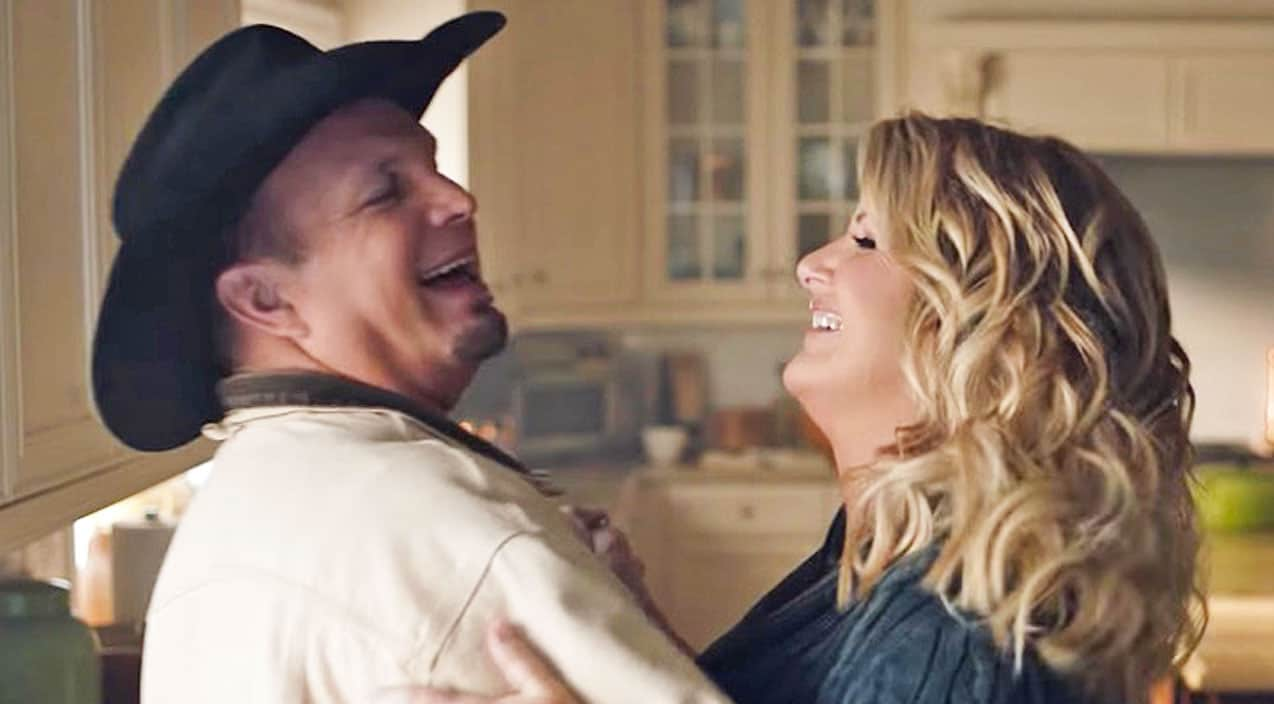 Garth brooks trisha yearwood s most adorable moments for Is garth brooks and trisha yearwood still married