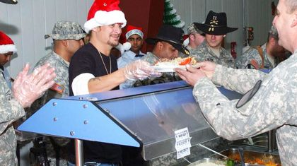 Kid Rock Gives Back By Personally Serving Troops Holiday Meals