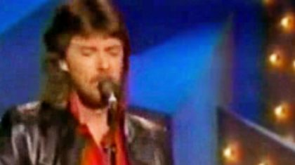 Rare Footage Surfaces Of Ronnie Dunn Singing Prior To Brooks & Dunn Fame