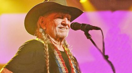 Willie Nelson Asks Loretta Lynn To Give Marijuana Another Try