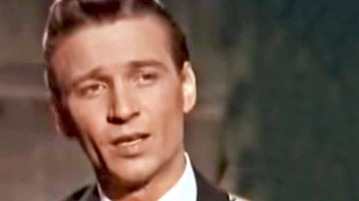 Watch A Fresh-Faced Waylon Jennings Brilliantly Sing One Of His Earliest Hits | Country Music Nation