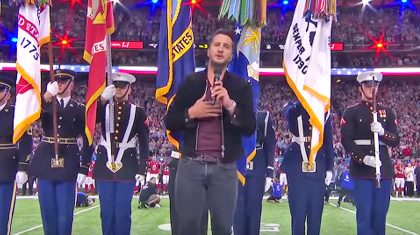 Luke Bryan Kicks Off Super Bowl LI With A Cappella National Anthem Performance