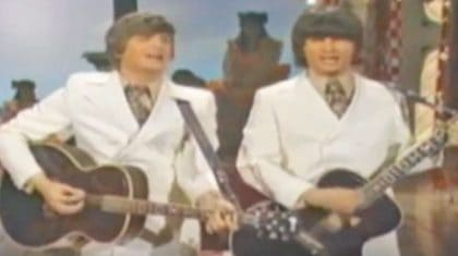 "The Everly Brothers Put Unique Spin On Merle Haggard's ""Mama Tried"""