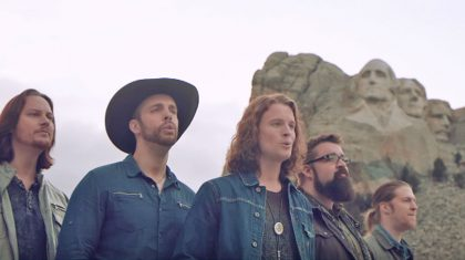 """""""God Bless The USA"""" Gets A Cappella Makeover That Will Make Your Day"""
