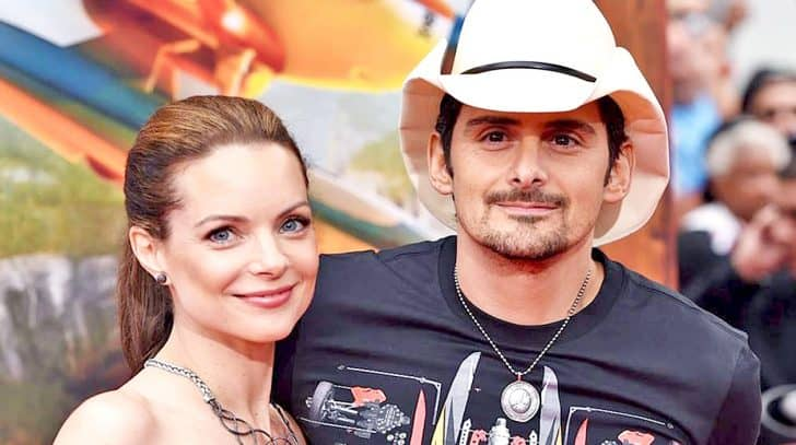 Brad Paisley's Wife Just Wrote The Best Anniversary Message Ever | Country Music Nation