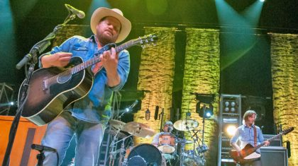 Following Heartbreaking Tragedy, Country Singer And Wife Announce Pregnancy