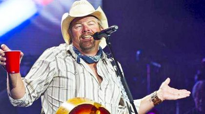 Toby Keith Will Leave You In Stitches With Comical Song About…Golf?