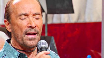"Country Legends Breathless After Lee Greenwood's Momentous ""God Bless The USA"""