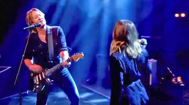 Keith urban replaces carrie underwood with surprise guest for Carrie underwood and keith urban duet