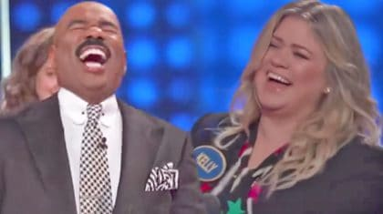 Kelly Clarkson Can't Stop Laughing During 'Family Feud' & Neither Can Steve Harvey