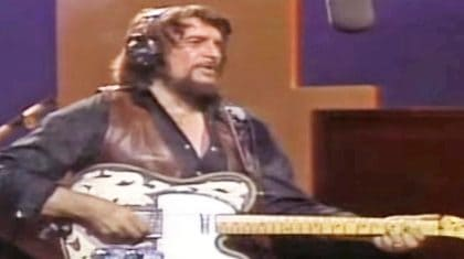 Uncovered Footage Shows One Of Waylon Jennings' Rarest Performances