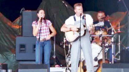 Rory Feek Makes A Splash Singing Blake Shelton's 'Some Beach'