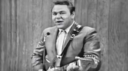 Roy Clark Puts Hysterical Spin On 'Folsom Prison Blues' That Will Leave You In Stitches