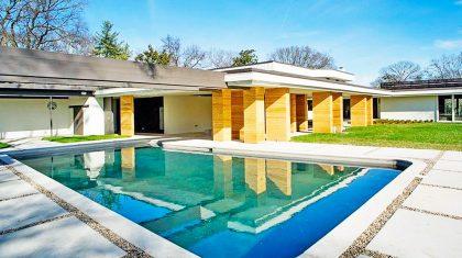 Take A Step Inside Tammy Wynette's Elegant Tennessee Estate