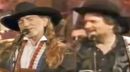 Waylon Jennings & Willie Nelson Join Friends For Red-Hot 'Only Daddy That'll Walk The Line'
