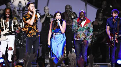 """Earth, Wind & Fire Bring Lady A On Stage For Ultimate """"September"""" Collaboration"""