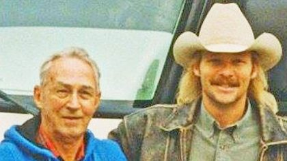 "Alan Jackson Re-Lives His Greatest Memories With His Late Father In ""Drive"""