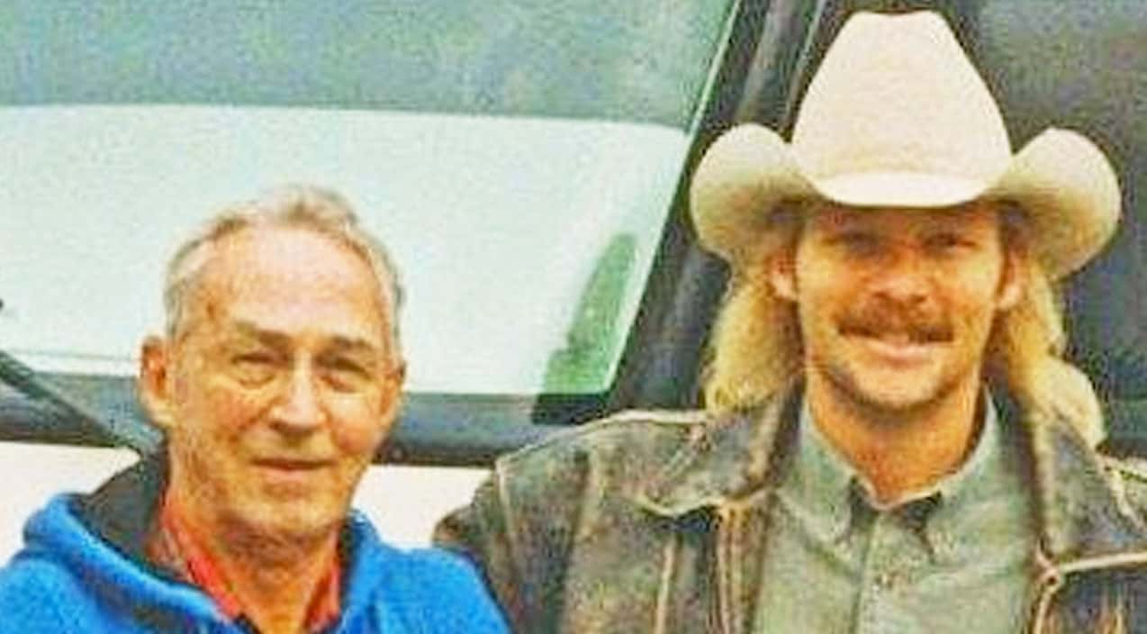 Alan Jackson Re Lives His Greatest Memories With His Late