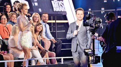 CMT Music Awards' 6 Funniest Moments Will Have You Rolling With Laughter