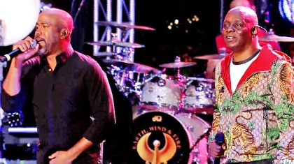 Darius Rucker Embraces The Disco Vibe In Groovy Performance With Earth, Wind & Fire