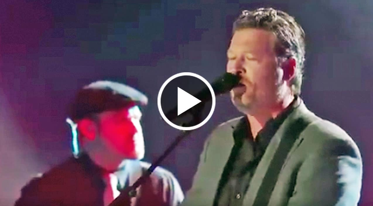 Blake Shelton Sings Of Immense Heartbreak During Emotional