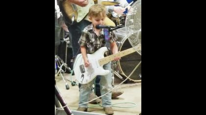 Tiny Outlaw Joins His Father Onstage For Killer 'Folsom Prison Blues' Performance