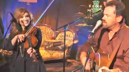 Alison Krauss Teams With Union Station For Toe-Tappin' 'Man Of Constant Sorrow'