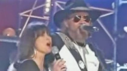 Hank Williams Jr. Performs 'Good Hearted Woman' With Outlaw Legend Jessi Colter