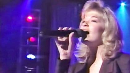 Young LeAnn Rimes Breaks Hearts With Brilliant Performance Of 'Blue'