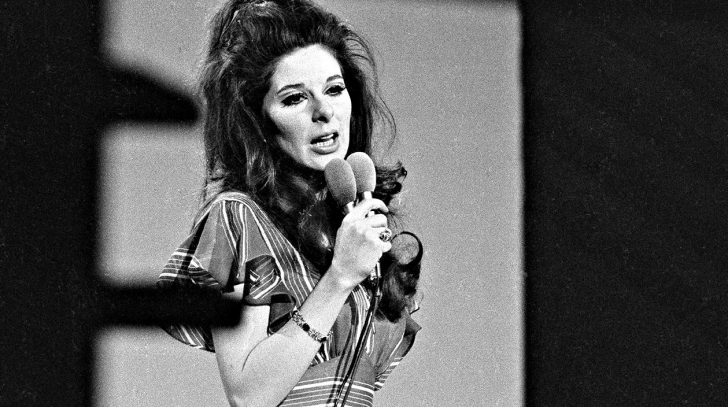 The Secret Life Of Bobbie Gentry & How She Vanished | Country Music Nation