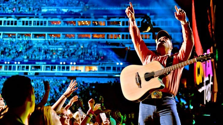 Fans Lose It When Garth Brooks Crashes CMA Fest | Country Music Nation