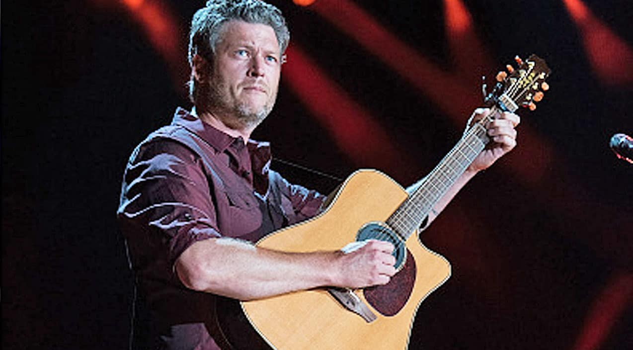 Emotions Run High During Blake Shelton S Cma Fest