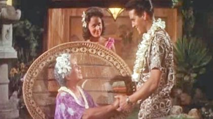 Watch Elvis Sweetly Serenade Two Lovely Ladies With 'Can't Help Falling In Love' In 'Blue Hawaii'