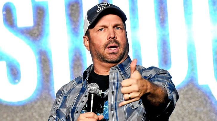 Garth Brooks Fans Furious After Falling Target To Ticket Scam | Country Music Nation