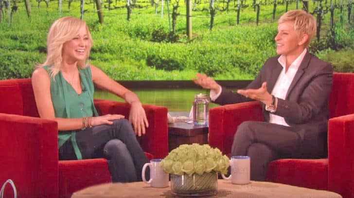 Kellie Pickler's Frog Impression Is The Funniest Thing You'll Hear | Country Music Nation