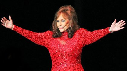 Loretta Lynn Reaches Out To Fans Before Big Event